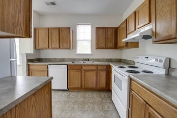 5301 Grand Oaks Forest Cir 3 Beds Apartment for Rent Photo Gallery 1