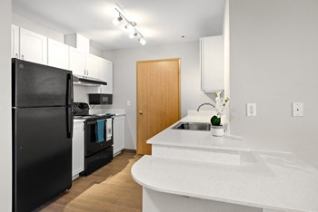 31420 23Rd Avenue S 1 Bed Apartment for Rent Photo Gallery 1