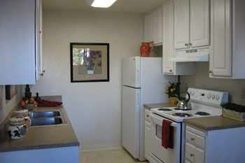 2200 Sycamore Dr 2 Beds Apartment for Rent Photo Gallery 1