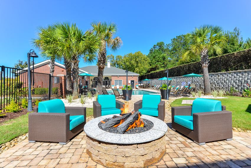 Poolside fire pit in Columbia, SC apartments