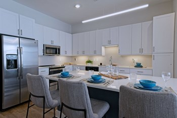 420 Monroe Avenue Studio Apartment for Rent Photo Gallery 1