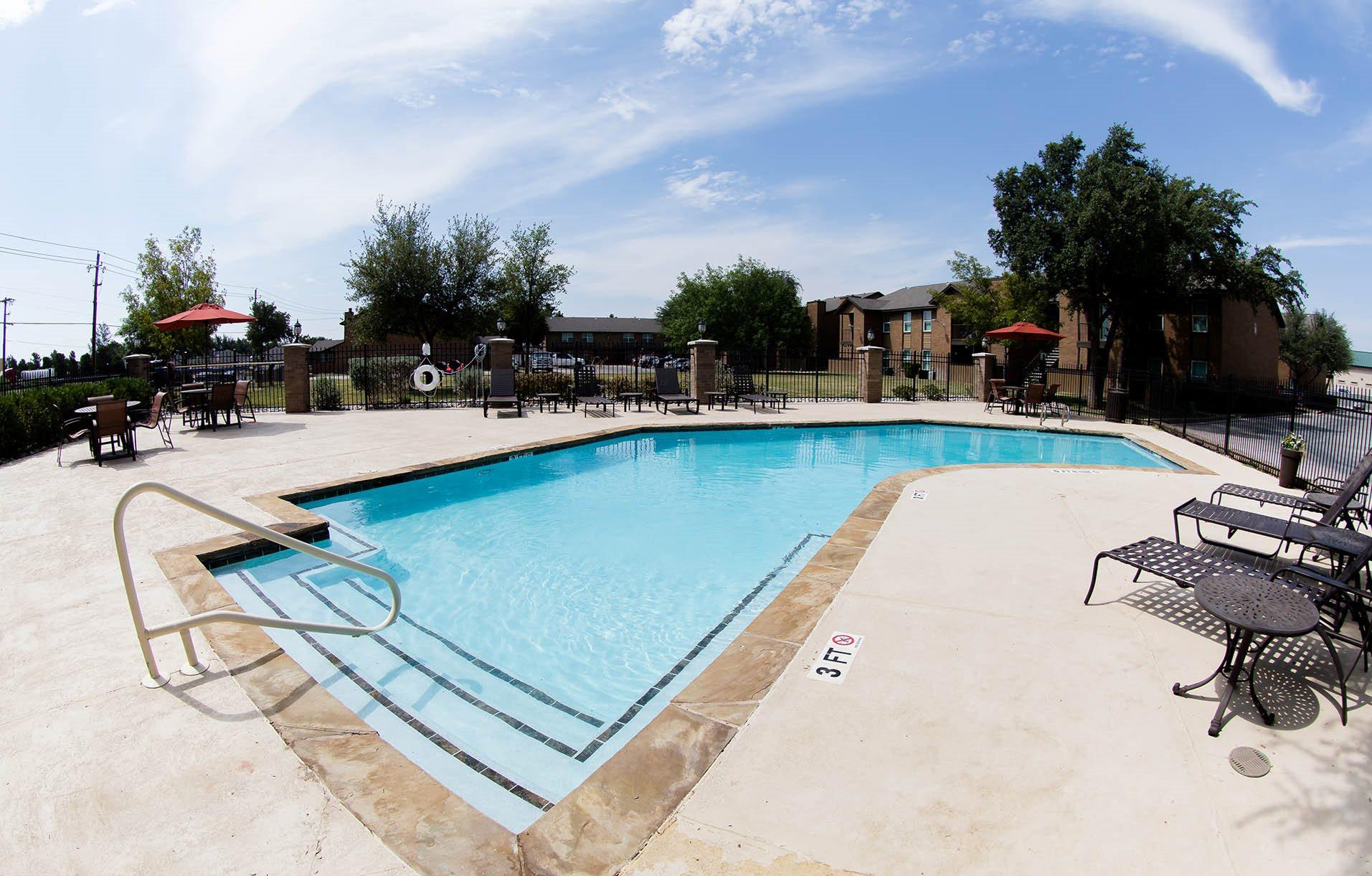 hawthorne-house-pool