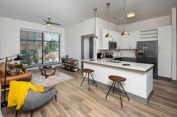 200 Madison St Studio-2 Beds Apartment for Rent Photo Gallery 1