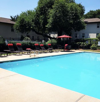 703 Twin Oaks Drive 1-2 Beds Apartment for Rent Photo Gallery 1