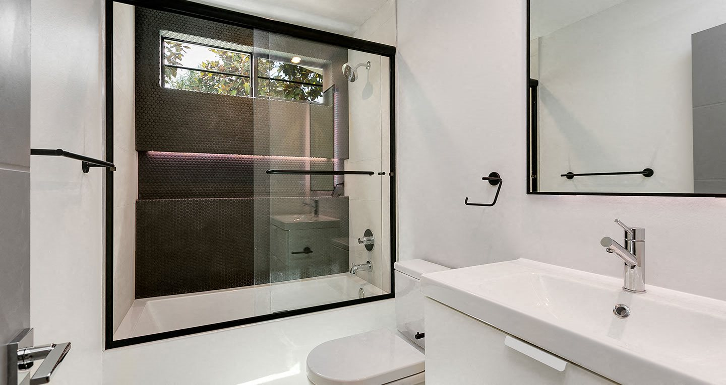 High-end bathroom finishes