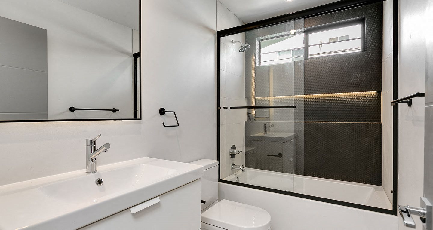 High end bathroom finishes