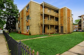 7938-7940 S Greenwood Ave 1 Bed Apartment for Rent Photo Gallery 1