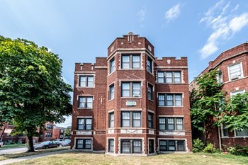 7956 S Eberhart Ave 1 Bed Apartment for Rent Photo Gallery 1