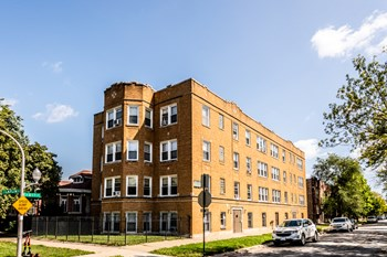 8057 S Laflin Ave 1-3 Beds Apartment for Rent Photo Gallery 1