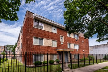 8326-8332 S Ellis Ave Studio-2 Beds Apartment for Rent Photo Gallery 1