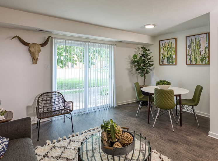 Dining area at Crystal Lakes Apartments