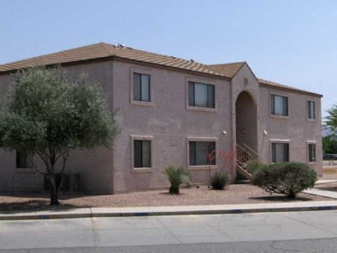 Clean Apartments at Eloy Village