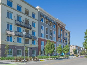 2601 Wagon Wheel Road 1-2 Beds Apartment for Rent Photo Gallery 1