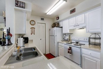 15350 SW 284th Street 2-4 Beds Apartment for Rent Photo Gallery 1