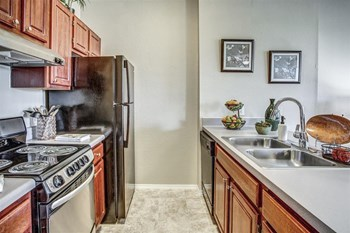 6885 20th Street 2 Beds Apartment for Rent Photo Gallery 1