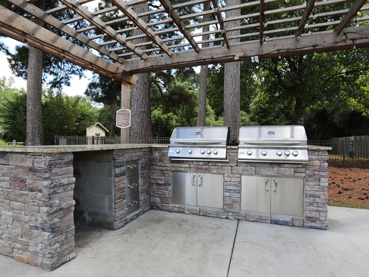 Apartments in Jackson Grills