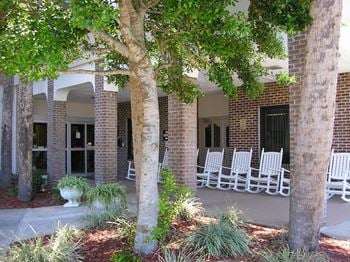 136 Fairview Ave 1 Bed Apartment for Rent Photo Gallery 1