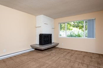 6301 SW Palatine St 2 Beds Apartment for Rent Photo Gallery 1