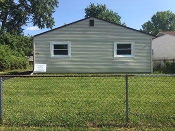1377 Southfield Dr S 3 Beds House for Rent Photo Gallery 1