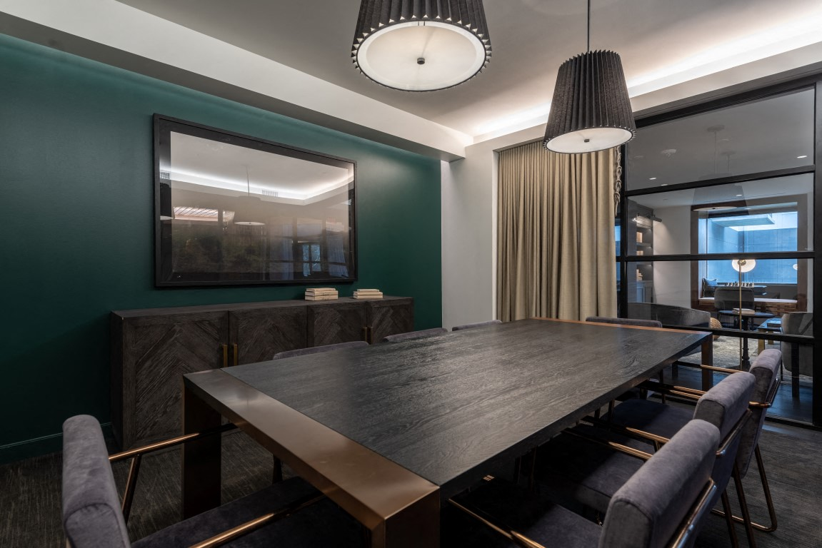clubroom apartments in downtown houston