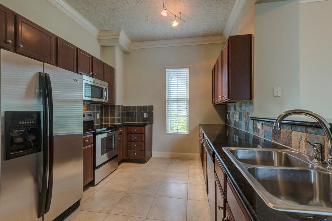 kitchen apartments in downtown houston
