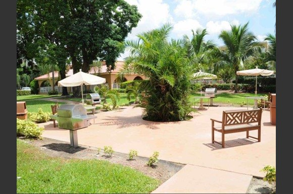 Country Club Towers Apartments, 18335 NW 68th Avenue, Miami, FL ...