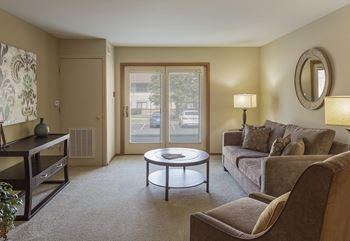 2725 N University Drive 1-2 Beds Apartment for Rent Photo Gallery 1