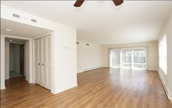 1643 N Riverside Drive 1-3 Beds Apartment for Rent Photo Gallery 1