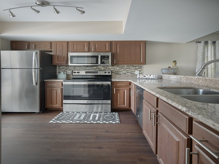 Bloomingdale Woods Apartments Valrico Florida Model Kitchen