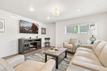 333 NW Hickory Street 2 Beds Apartment for Rent Photo Gallery 1