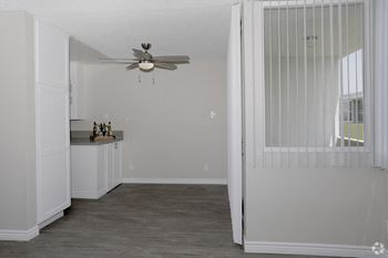 4555 W. Martin Luther King JR. Blvd 1-3 Beds Apartment for Rent Photo Gallery 1