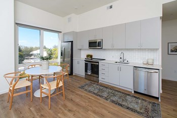 731 16Th Street Studio-2 Beds Apartment for Rent Photo Gallery 1
