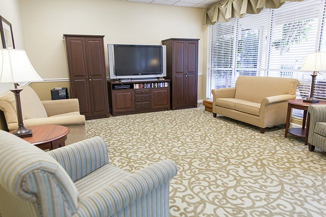 Community Room With Large TV at Pacifica Senior Living Sunrise, Fort Lauderdale, 33351