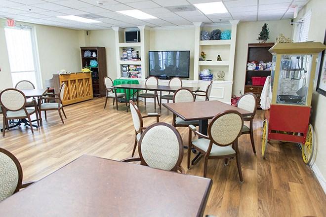 Game Room / Arts & Crafts Studio at Pacifica Senior Living Sunrise, Fort Lauderdale, FL, 33351