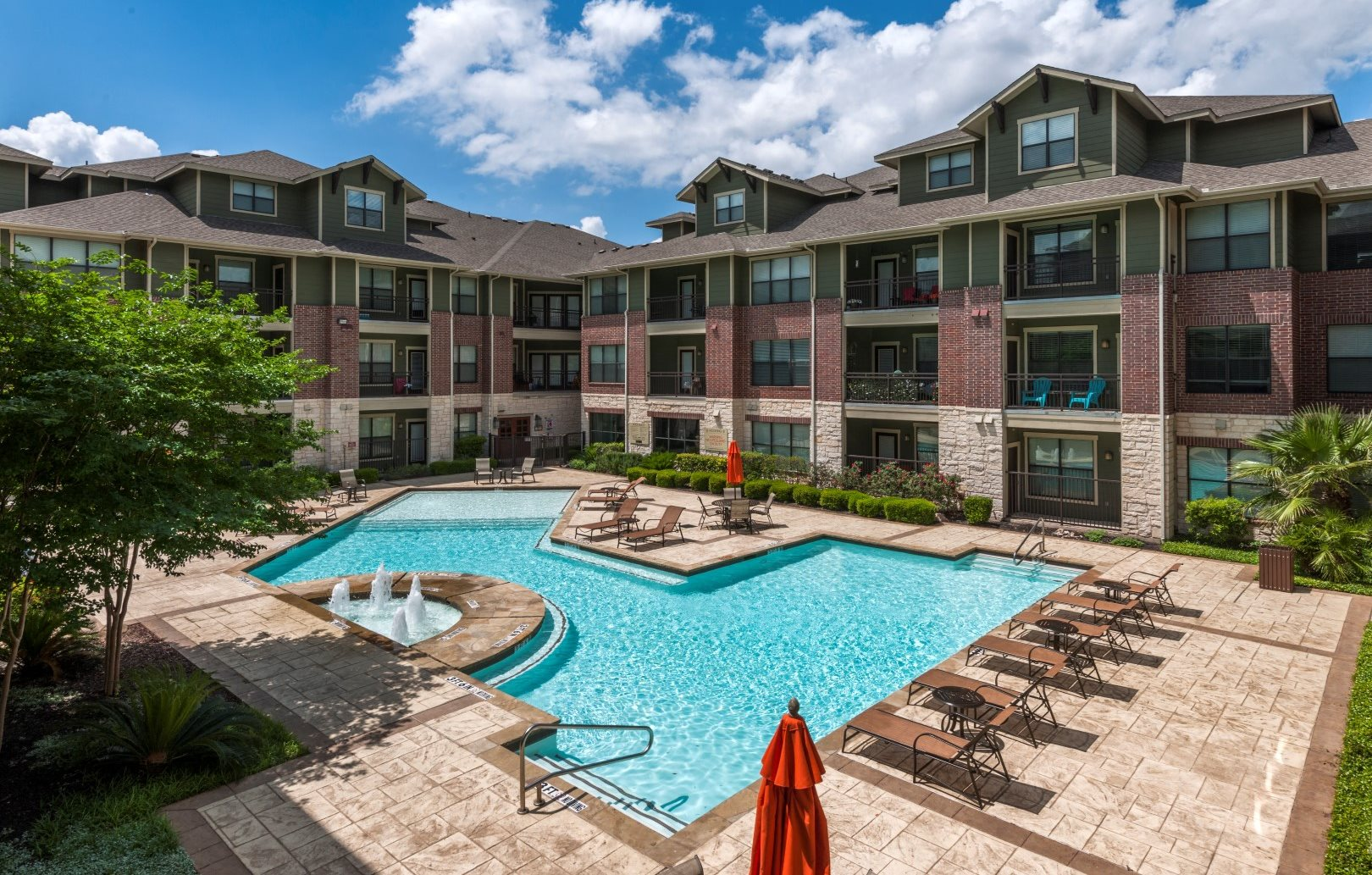apartments in north austin pool