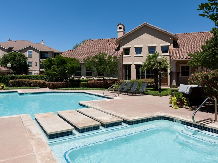 apartments in north austin with pool