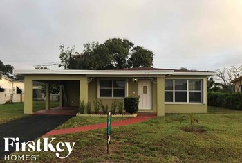 3171 NW 5th St 3 Beds House for Rent Photo Gallery 1