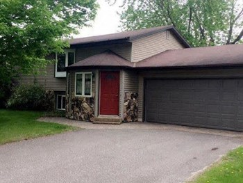 850 36th Avenue North 4 Beds House for Rent Photo Gallery 1