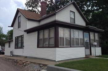 119 Wilson Avenue Northeast 3 Beds House for Rent Photo Gallery 1