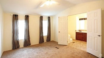 125 Clinton Rd Studio-3 Beds Apartment for Rent Photo Gallery 1