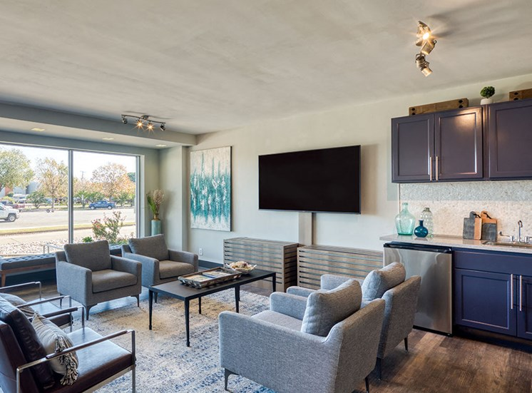 Lounge_The_Lafayette_Apartments in Norfolk VA 3