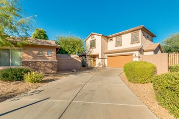 8932 West Grovers Avenue 3 Beds House for Rent Photo Gallery 1