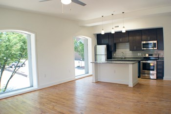 1 E. Cary Street 1-4 Beds Apartment for Rent Photo Gallery 1