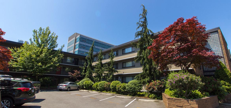 Exterior, Monticello Apartments, Seattle WA