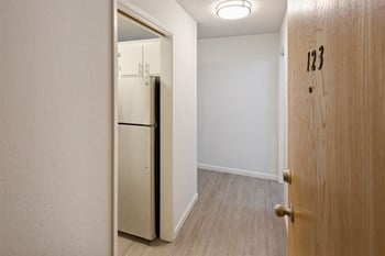 564 Central Avenue Studio-3 Beds Apartment for Rent Photo Gallery 1