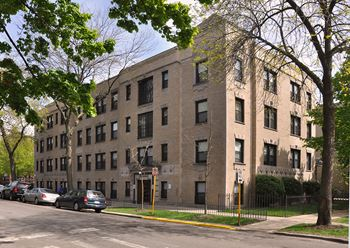 1255 W. Bryn Mawr Ave. Studio-1 Bed Apartment for Rent Photo Gallery 1