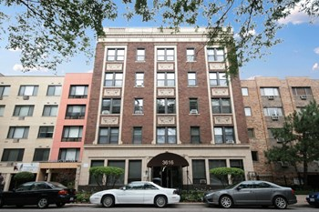 3616 N. Pine Grove Ave. Studio-2 Beds Apartment for Rent Photo Gallery 1