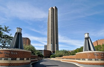 3660 N. Lake Shore Dr. Studio-2 Beds Apartment for Rent Photo Gallery 1