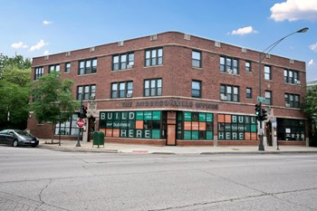 1400 W. Edgewater Ave. 1-2 Beds Apartment for Rent Photo Gallery 1
