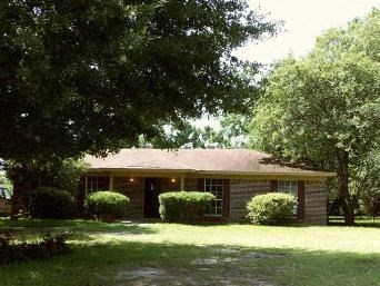 4571 Golden Avenue 3 Beds House for Rent Photo Gallery 1